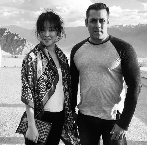 salman-khan-and-Tubelight-heroine-at-ladakh-1